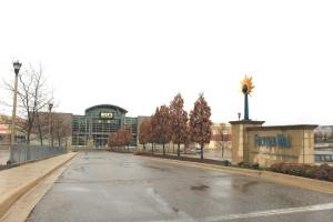 Entrance_to_Twelve_Mile_Crossing_at_Fountain_Walk_Shopping_Center_Novi_Michigan